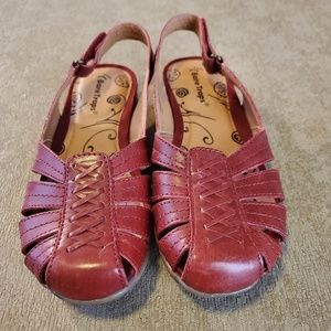 BareTraps Red Ready Slingback Sandals 6.5
